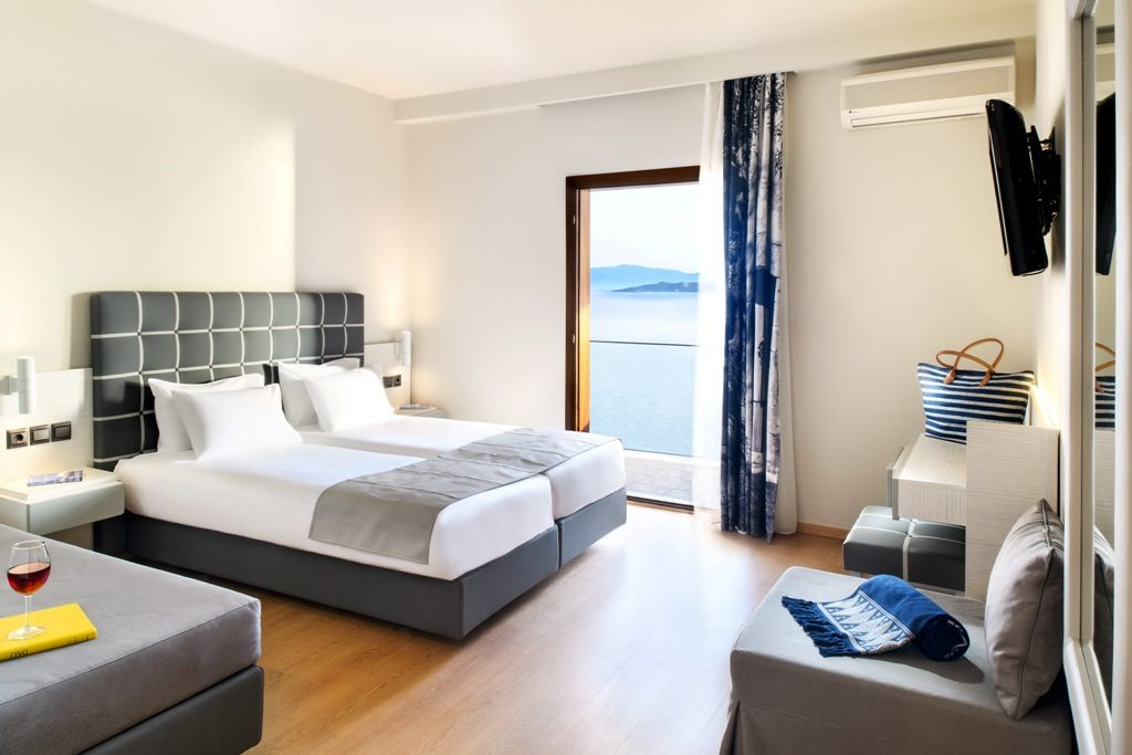 Standard Double / Twin Room with Side Sea View